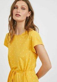 Vila - VIMOONEY STRING - Jersey dress - yolk yellow - 3
