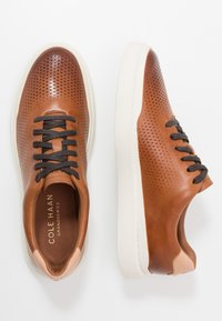 Cole Haan - GRANDPRO RALLY LASER CUT  - Trainers - british tan/ivory - 1
