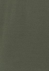 CLOSED - CREWNECK JUMPER - Strickpullover - olive - 2