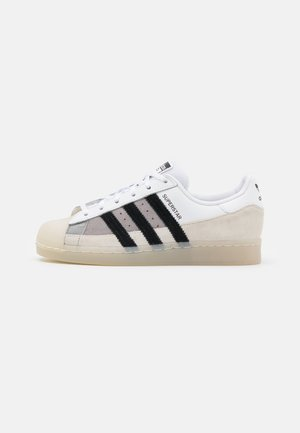 SUPERSTAR UNISEX - Matalavartiset tennarit - footwear white/core black/light charcoal
