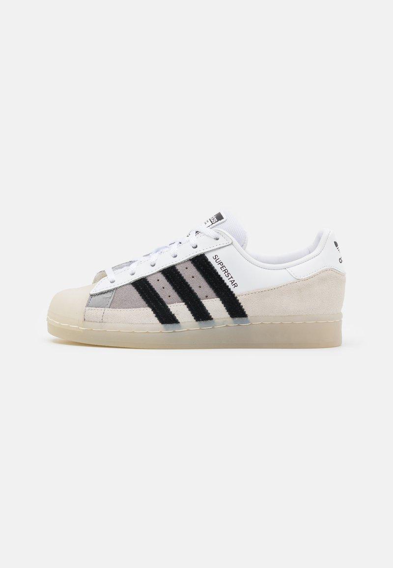 adidas Originals - SUPERSTAR UNISEX - Trainers - footwear white/core black/light charcoal