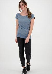 alife & kickin - Print T-shirt - frozen - 1