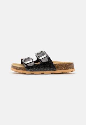 FUSSBETTPANTOFFEL - Domácí obuv - schwarz