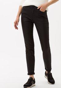BRAX - Jeans Skinny Fit - clean black - 0