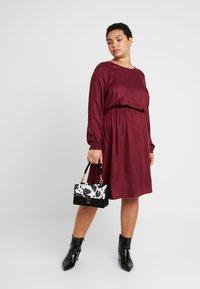 MY TRUE ME TOM TAILOR - FLUENT ELASTIC WAIST DRESS - Day dress - deep burgundy red - 1