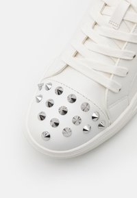 Steve Madden - CORDIAL - Trainers - white - 5