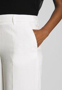 Soyaconcept - GLENNA - Pantalones - off-white - 4