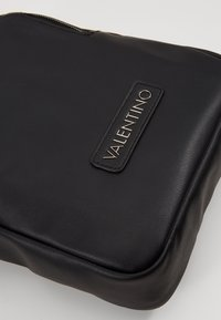 Valentino by Mario Valentino - SKY - Across body bag - nero - 3