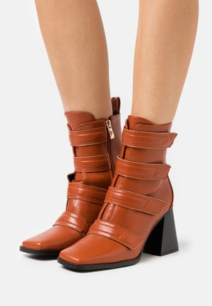 AILEEN - High heeled ankle boots - cognac