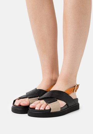 DARCIE - Platåsandaletter - black/orange
