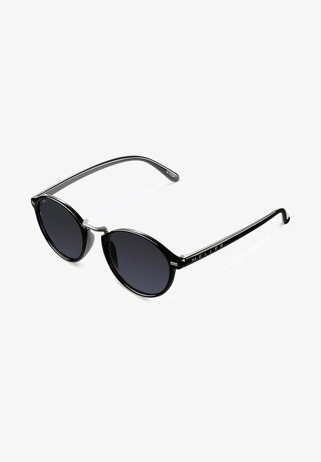 NYASA - Aurinkolasit - all black