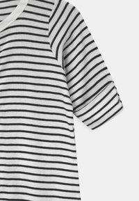 Petit Bateau - BABY COMBISAC UNISEX - Pyjamas - charme/marshmallow - 3