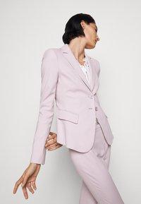 Patrizia Pepe - HIGH WAIST PANT - Trousers - lilac tulle - 5