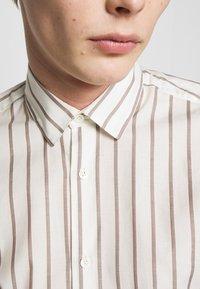Frescobol Carioca - Shirt - off-white - 6