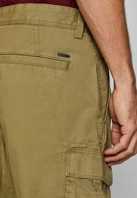 Esprit - Shorts - olive - 4