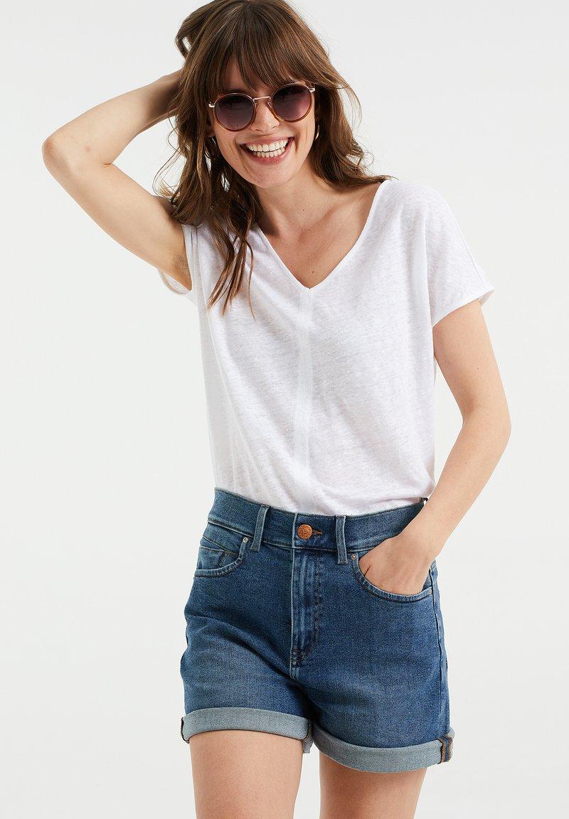 WE Fashion - Basic T-shirt - white