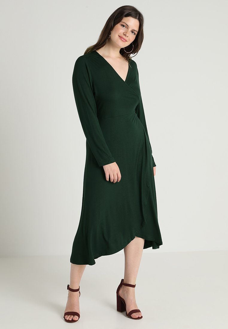 Zalando Essentials Curvy - Długa sukienka - dark green