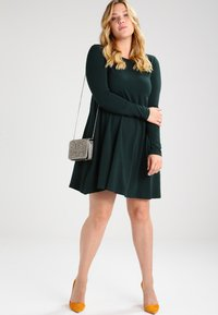 Zalando Essentials Curvy - Jersey dress - dark green - 1