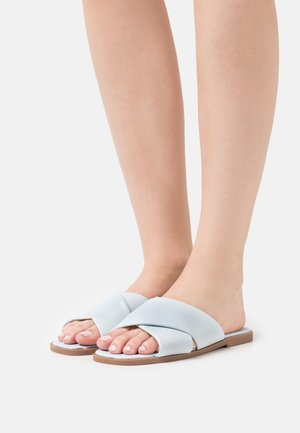 MACEY PADDED CROSSOVER - Mules - pale blue