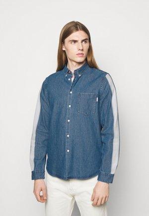 MENS TAILORED FIT SHIRT - Shirt - bright blue