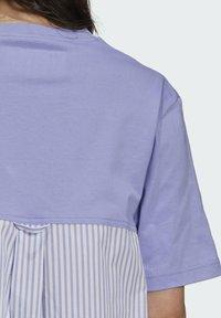 adidas Originals - Dry Clean Only xSHIRT DRESS - Jerseykjoler - light purple - 4