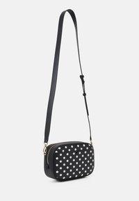 kate spade new york - MEDIUM CAMERA BAG - Across body bag - black - 2