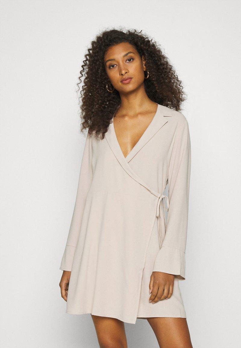 Nly by Nelly - SOFT BLAZER DRESS - Day dress - beige