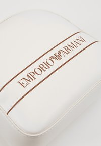 Emporio Armani - STRIPE LOGO CAMERA - Across body bag - bianco - 5
