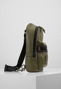 Coach - ACADEMY PACK - Across body bag - light olive - 3