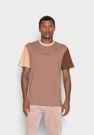 TRICOLOR TEE - T-shirt basic - beige