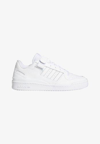 FORUM LOW UNISEX - Sneakers basse - white