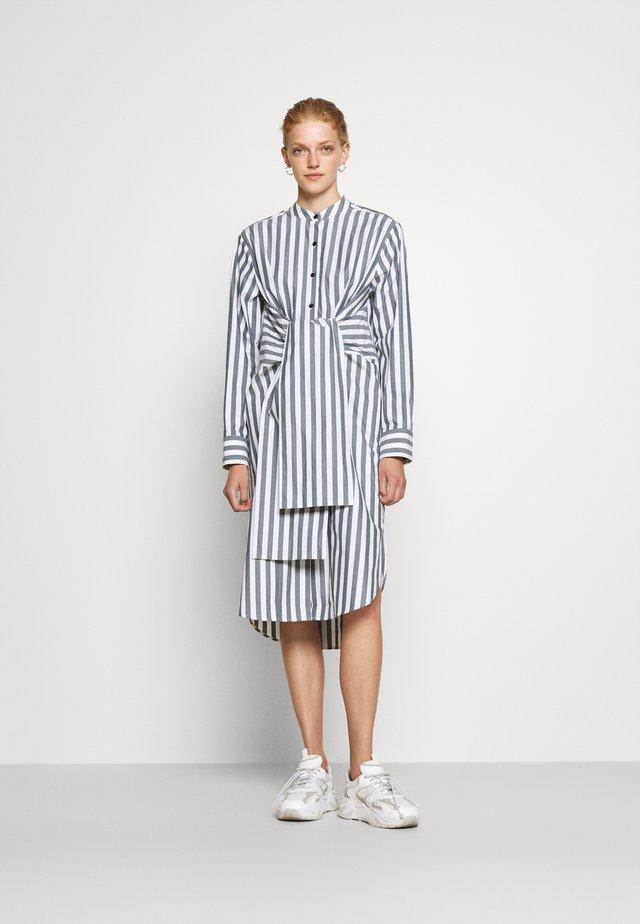 TIED SHIRT DRESS - Abito a camicia - white/petrol