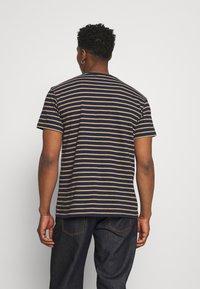 REVOLUTION - STRIPED - Print T-shirt - navy-mel - 2