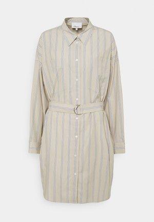 STRIPED BUTTON UP SHIRT DRESS - Košilové šaty - tan