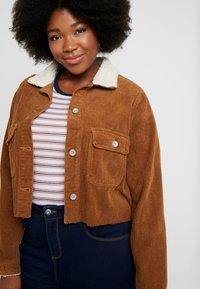 Cotton On Curve - GIRLFRIEND JACKET - Summer jacket - brushetta sherpa - 3