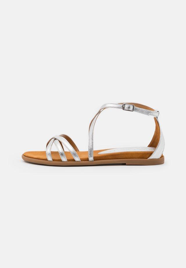 CARCER - Sandały - silver