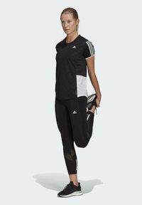 adidas Performance - OWN THE RUN 3-STRIPES ITERATION T-SHIRT - T-shirts med print - black - 1