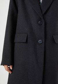 PULL&BEAR - Short coat - black - 3