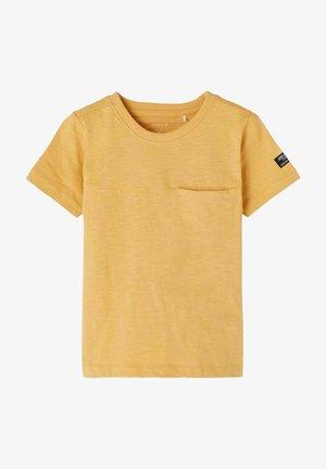 Basic T-shirt - fall leaf