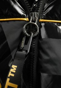 JACK1T - Denim jacket - black/wet black/gold - 4