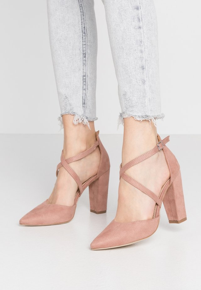 High heels - blush
