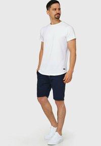 INDICODE JEANS - Yates - Shorts - navy - 1