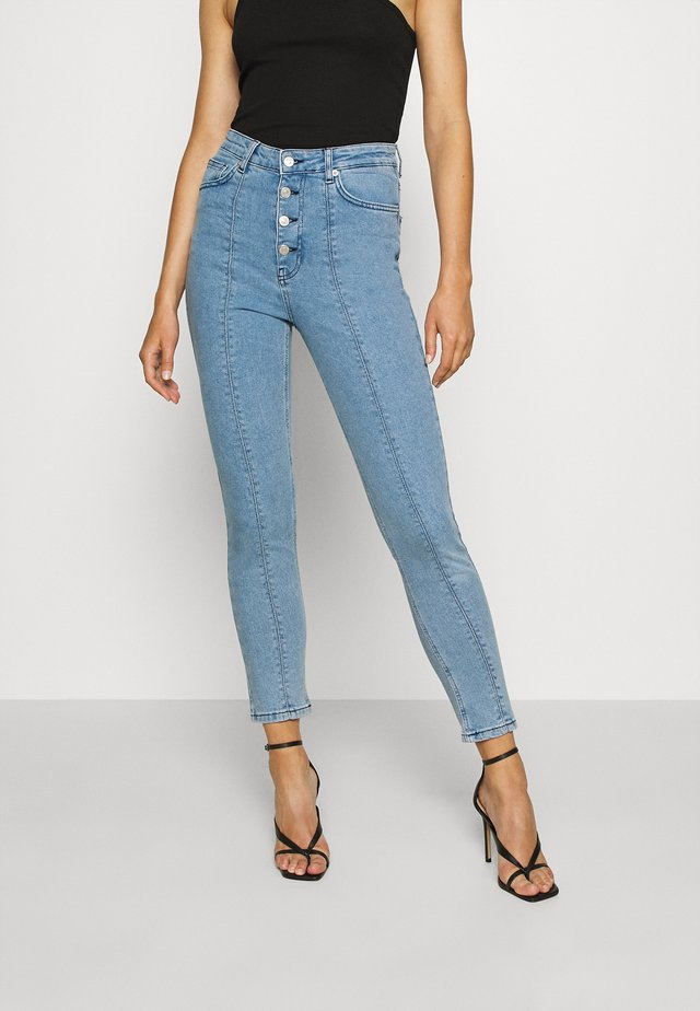 FRONT SEAM HIGH WAIST  - Skinny džíny - light denim