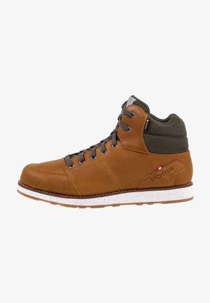 HUBERT  - Mountain shoes - cognac