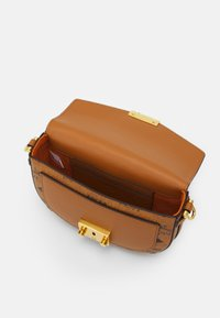 MCM - Across body bag - cognac - 4