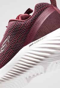 Skechers Sport - BOUNDER - Trainers - burgundy - 5