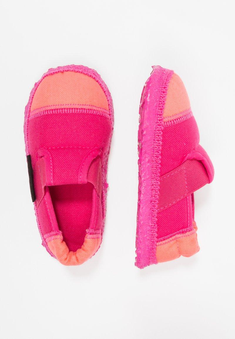 Nanga - KLETTE UNISEX - Domácí obuv - azalee