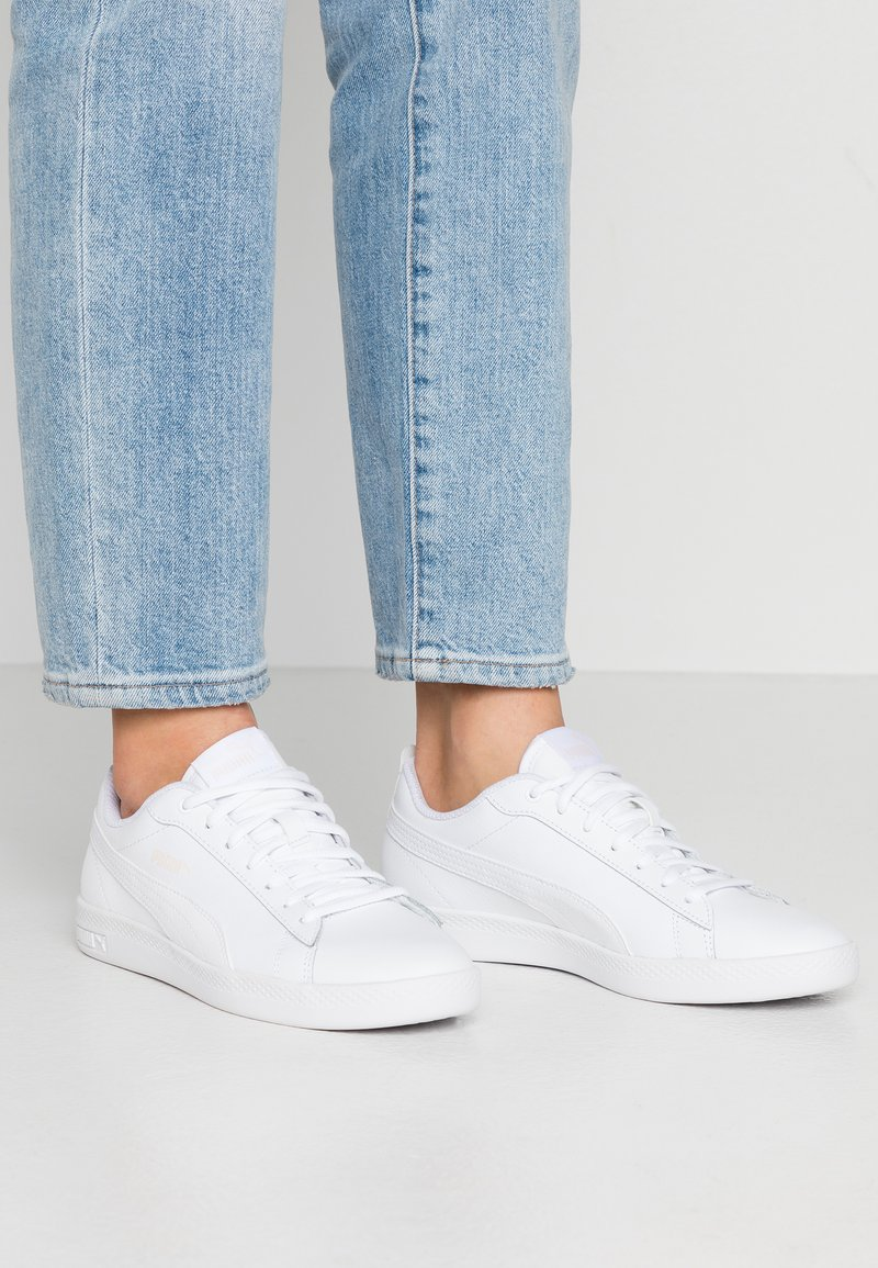 Puma - SMASH - Sneakersy niskie - white/rosewater