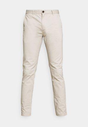 MOTT CLASSIC - Chino kalhoty - stone