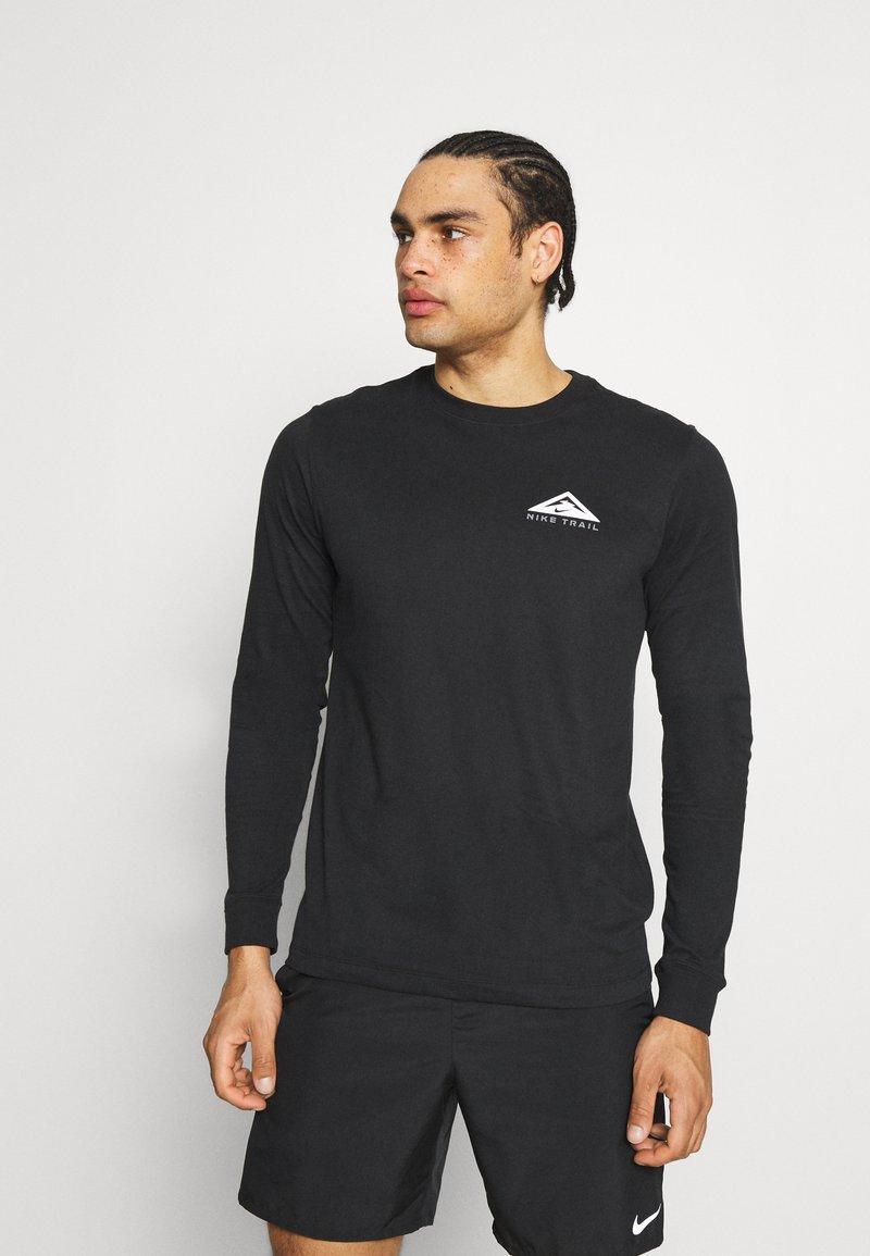 Nike Performance - DRY TEE TRAIL - Camiseta de manga larga - black